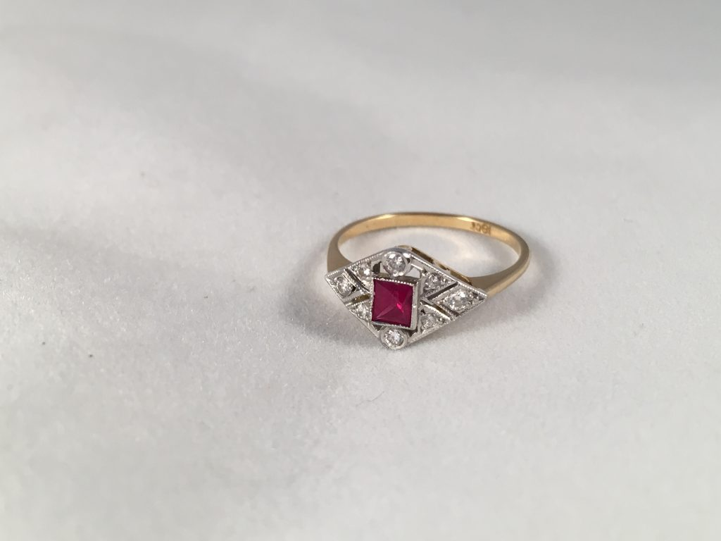 18ct Yellow Gold Art Deco Ruby Amp Diamond Ring Central