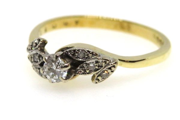 18ct yellow gold vintage diamond ring