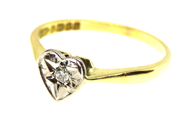 18ct diamond love heart solitaire ring