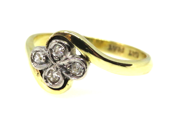 18ct Art Deco Diamond Ring