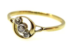 18ct yellow gold art deco trilogy twist ring