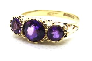 9ct vintage amethyst ring